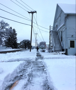 well shoveled sidewalk
