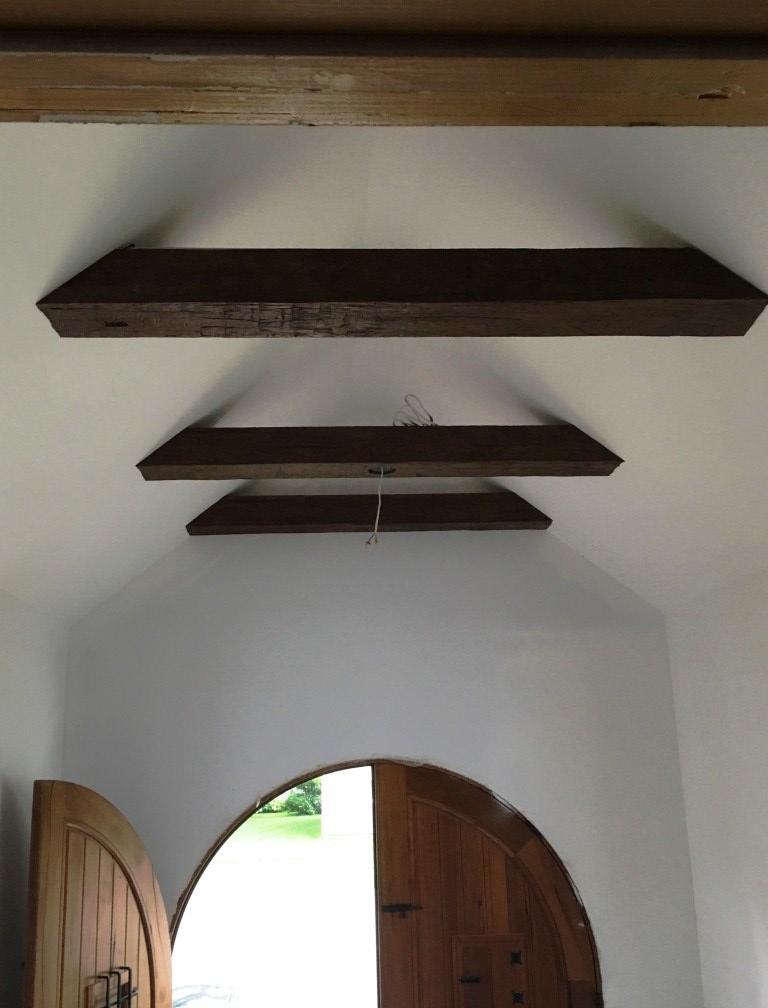 beams-in-entryway.jpg
