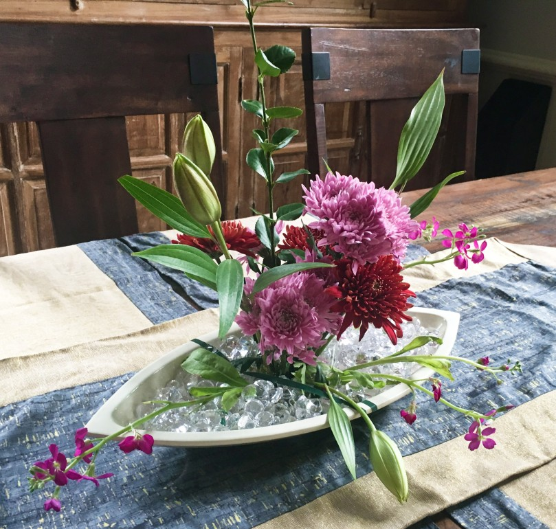 flowers dining room table